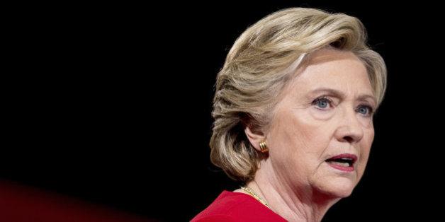Donald Trump accusait Hillary Clinton d'avoir été prévenue de questions avant les débats face à Bernie Sanders. Il avait apparemment raison.