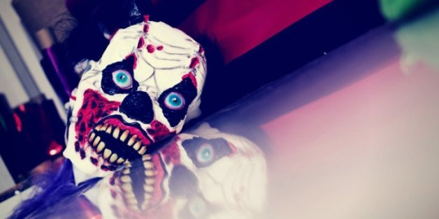 Horror-Clown sticht in Münchner Park auf Mann ein