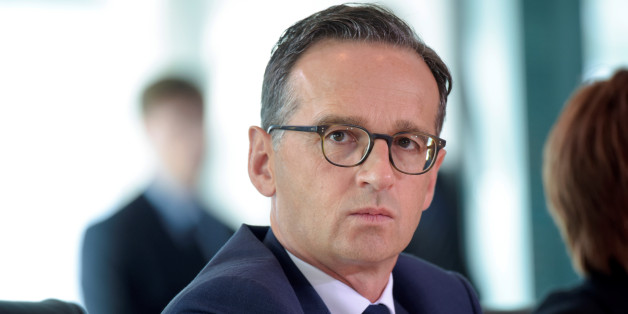 German Justice Minister Heiko Maas arrives for a cabinet meeting at the Chancellery in Berlin, Germany August 24, 2016. REUTERS/Stefanie Loos