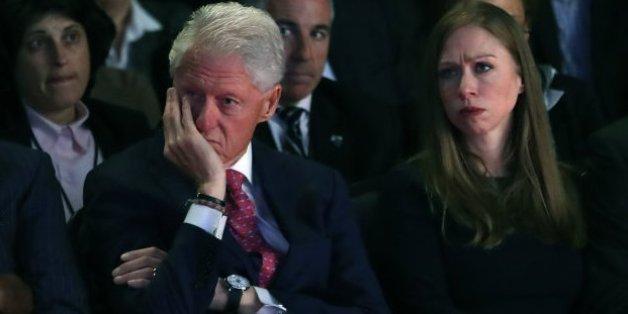 Le FBI publie une vieille enquête sur Bill Clinton, les démocrates sont furieux