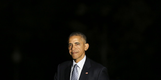 WASHINGTON, DC - NOVEMBER 1:  U.S. President Barack Obama returns to the White House November 1, 2016 in Washington, DC.  The president was returning from a campaign event for Democratic presidential candidate Hillary Clinton in Columbus, Ohio.  (Photo by Aude Guerrucci-Pool/Getty Images)