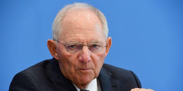 Bundesfinanzminister Wolfgang Schäuble steht vor dem Problem, Deutschlands Schuldenberg in den Griff zu bekommen.