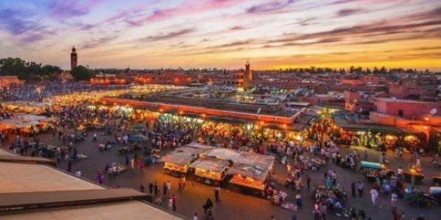 Parade et jeux de lumière à Marrakech pour l'entrée en vigueur de l'accord sur le climat