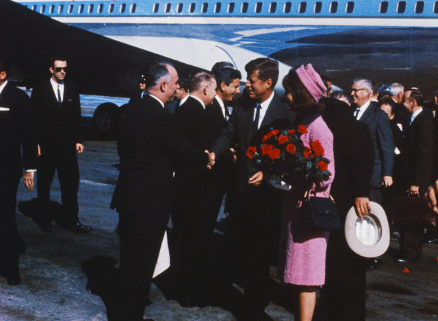 jackie kennedy pink suit