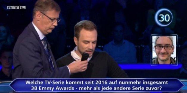 Auch der Kandidat Sascha Verspermann musste im späteren Verlauf der Sendung über das Ausweich-Telefon seinen Joker um Rat fragen