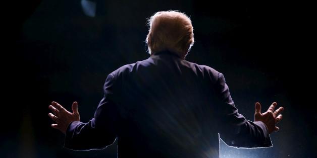 Ihr wundert Euch, warum Donald Trump so erfolgreich ist? Es hat viel mit dem Versagen westlicher Medien zu tun