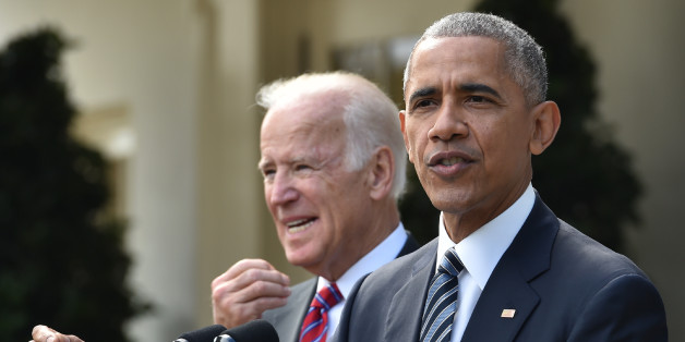 US President Barack Obama (R) together with Vice President Joe Biden (L) addresses the nation publicly for the first time since the shock election of Donald Trump as his successor, on November 9, 2016 at the White House in Washnigton, D.C.