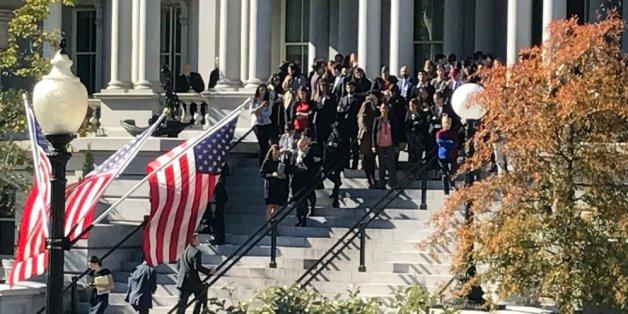 Donald Trump est arrivé à la Maison Blanche et est reçu par Barack Obama