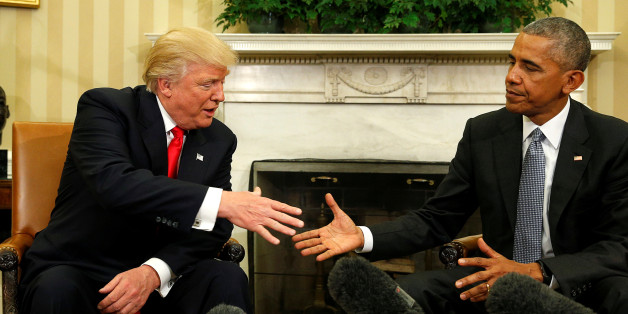 U.S. President Barack Obama meets with President-elect Donald Trump in the Oval Office of the White House in Washington November 10, 2016. REUTERS/Kevin Lamarque    TPX IMAGES OF THE DAY