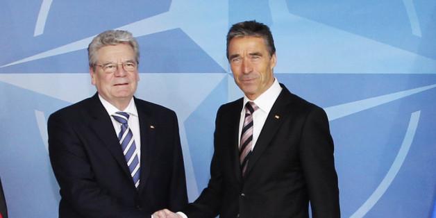 Rasmussen und Gauck sprechen in der Gedenkstunde zum Volkstrauertag