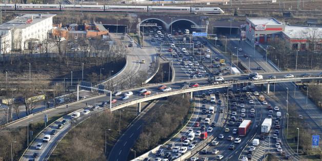 Regierung will Autobahnen privatisieren