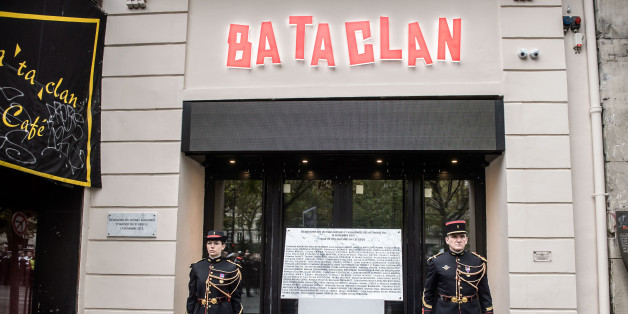 A commemorative plaque unveiled by French President Francois Hollande and Paris Mayor Anne Hidalgo is seen in front of the Bataclan concert hall, in Paris, France, November 13, 2016, during a ceremony held for the victims of last year's Paris attacks which targeted the Bataclan concert hall as well as a series of bars and killed 130 people.   REUTERS/Christophe Petit Tesson/Pool