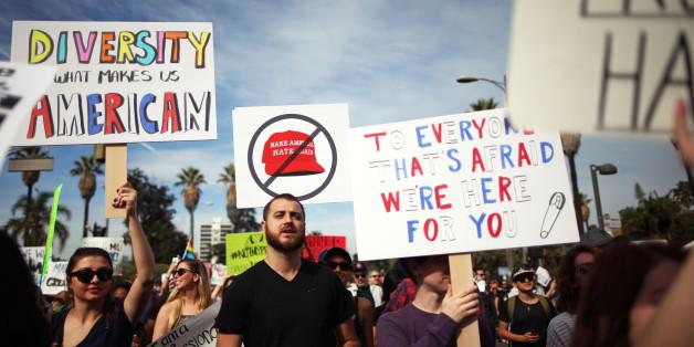 Demonstranten am Samstag in Los Angeles
