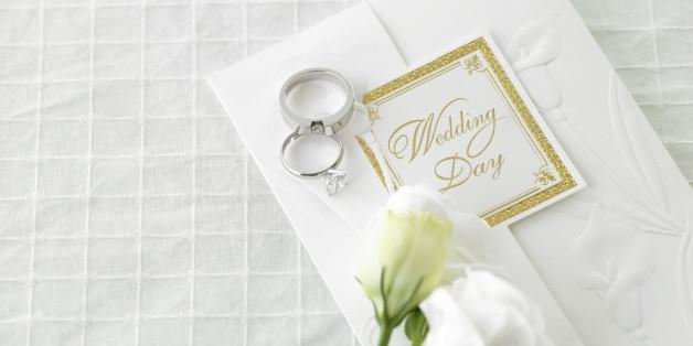Die Hochzeitseinladung - diese Informationen sollten dringend drin stehen