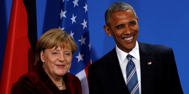 U.S. President Barack Obama and Chancellor Angela Merkel smile at the conclusion of their joint press conference at the German Chancellery in Berlin, Germany November 17, 2016.   REUTERS/Kevin Lamarque