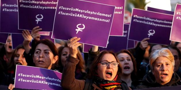 In mehreren Städten kam es zu Protesten gegen den umstrittenen Gesetzesvorschlag der türkischen Regierung.