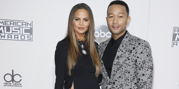 John Legend und seine Frau Chrissy Teigen kamen zu den American Music Awards - und jeder schaute nur auf ihr Kleid