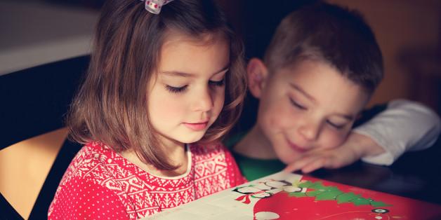 Der Adventskalender und der Adventskranz überbrücken die Zeit bis Weihnachten