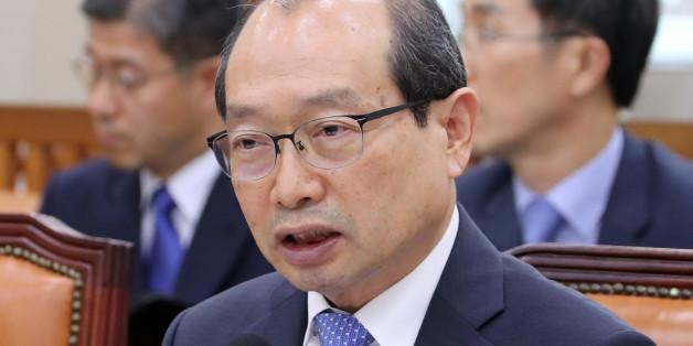 장명진 방위사업청장이 지난 8월 국회에서 열린 국방위원회 전체회의에서 여야 의원의 질의에 답하고 있다.