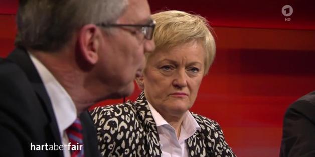 """Die Grüne Renate Künast und Innenminister Thomas de Maiziere bei """"Hart aber fair"""""""