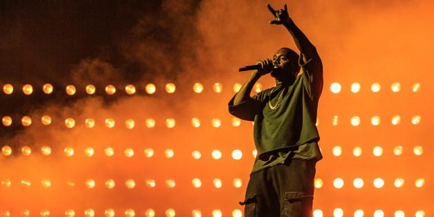 Kanye West wurde wegen Erschöpfung ins Krankenhaus eingeliefert