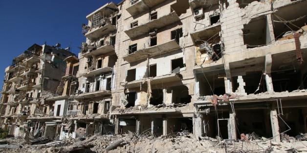 Noch bis zu 250.000 Menschen sind wohl noch in der nahezu vollständig zerstörten Stadt Aleppo.