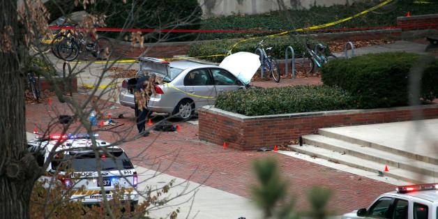 Der bei der Attacke verwendete Auto wird von Ermittlern untersucht