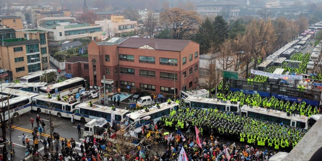 지난 11월 26일 청운동주민센터 앞에서 열린 집회 모습. 청와대에서는 200m 정도 떨어진 곳이다.