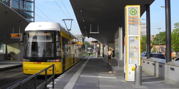 Eine Straßenbahn in Berlin (Symbolbild)