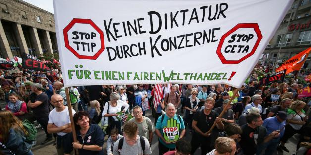 Demonstration gegen Ceta und TTIP im Juni 2016 in Stuttgart
