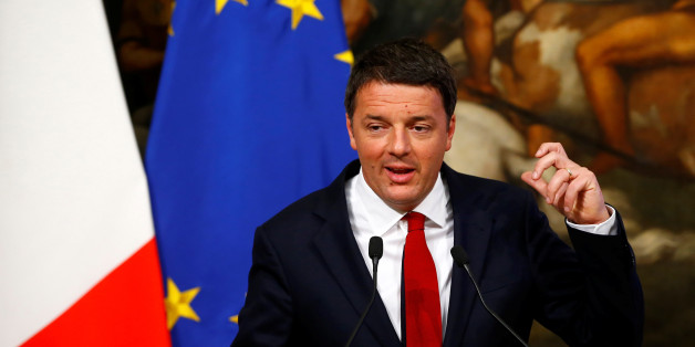 Italy's Prime Minister Matteo Renzi speaks during a news conference at the Chigi Palace in Rome November 28, 2016 .   REUTERS/Tony Gentile