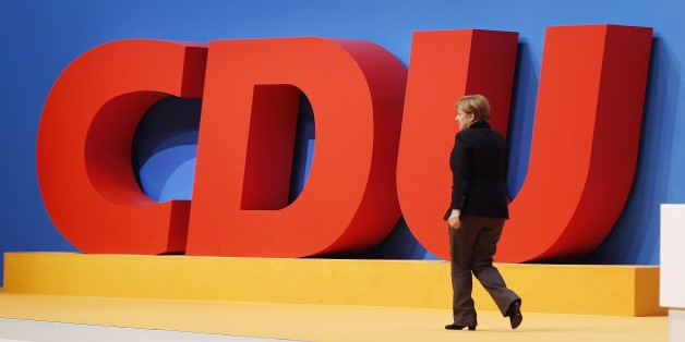 Konservative CDU-Abgeordnete fordern vor dem Bundesparteitag in Essen eine Kurskorrektur von Angela Merkel.