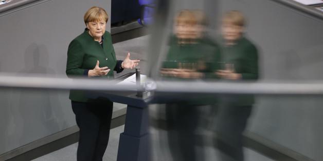Merkels Mehrfronten-Krieg: Aus allen Richtungen wächst der Druck auf die Kanzlerin