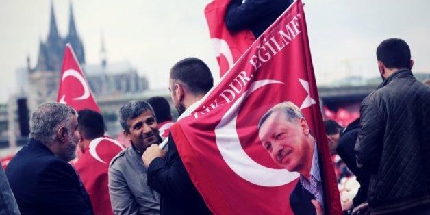 Die Junge Union verlangt eine Deutschpflicht für Demonstrationen und verwies in diesem Zusammenhang auf eine Pro-Erdogan-Demo in Köln.
