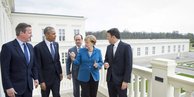 HANOVER, GERMANY - APRIL 25:  German Chancellor Angela Merkel greets France's President Francois Hollande, (2nd R) U.S. President Barack Obama, Prime Minister of Great Britain David Cameron (L) and Prime Minister of Italy Matteo Renzi (R) at Schloss Herrenhausen palace on April 25, 2016 in Hanover, Germany.  (Photo by Guido Bergmann/Bundesregierung via Getty Images)