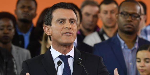 PARIS, FRANCE - DECEMBER 5: French Prime Minister Manuel Valls announces his presidential bid for the 2017 election during a press conference in the southern Paris suburb of Evry, where he governed as mayor for 11 years, on December 5, 2016. His announcement comes after Francois Hollande said last Thursday he would not run for a second term, becoming the first sitting president in modern French history not to do so. (Photo by Chris Nail/Anadolu Agency/Getty Images)