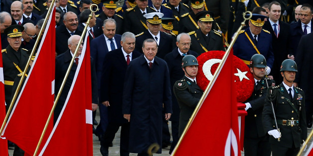 Turkey's President Tayyip Erdogan attends a Republic Day ceremony at Anitkabir, the mausoleum of modern Turkey's founder Ataturk, to mark the republic's anniversary in Ankara, Turkey, October 29, 2016. REUTERS/Umit Bektas     TPX IMAGES OF THE DAY