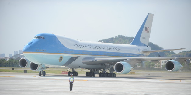 HANGZHOU, CHINA - SEPTEMBER 03: Air Force One carrying U.S. President Barack Obama arrives at Hangzhou Xiaoshan International Airport on September 3, 2016 in Hangzhou, China. World leaders arrive in Hangzhou for the upcoming 2016 G20 Summit which will fall on September 4-5. (Photo by VCG/VCG via Getty Images)