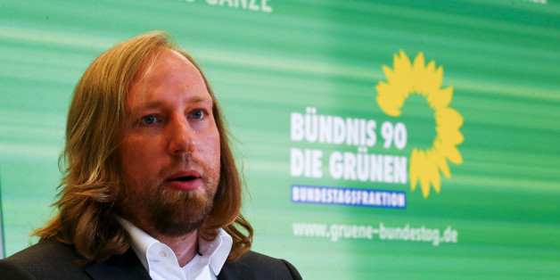 Anton Hofreiter of the environmental Green party (Die Gruenen) addresses the media in Berlin October 15, 2013.  REUTERS/Tobias Schwarz (GERMANY - Tags: POLITICS)