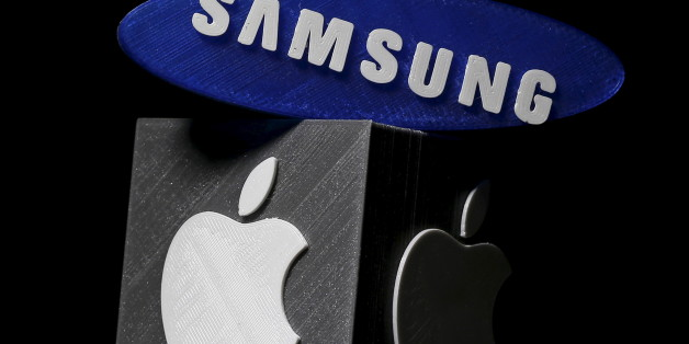 3D-printed Samsung and Apple logos are seen in this picture illustration made in Zenica, Bosnia and Herzegovina on January 26, 2016. Apple Inc is expected to report a 1.3 percent increase in iPhone sales in the holiday quarter, its slowest ever and a far cry from the double-digit growth investors have come to expect. Apple sold 75.5 million iPhones in the October-December quarter, according to research firm FactSet StreetAccount, 1 million more than what was sold in the year-ago quarter.  REUTERS/Dado Ruvic