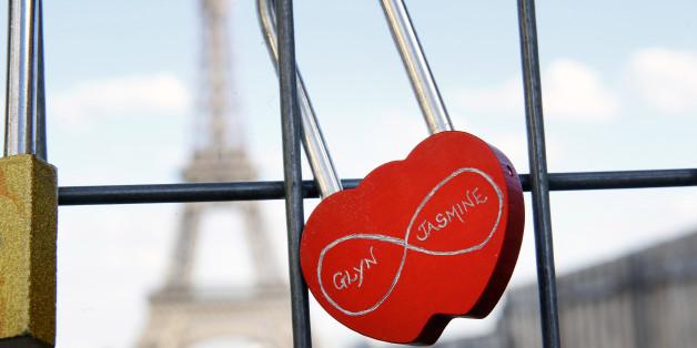 Die Stadt Paris will Liebesschlösser verkaufen - und den Erlös an Flüchtlinge spenden