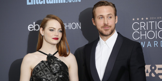 Actors Emma Stone and Ryan Gosling pose backstage during the 22nd Annual Critics' Choice Awards in Santa Monica, California, U.S., December 11, 2016.  REUTERS/Danny Moloshok