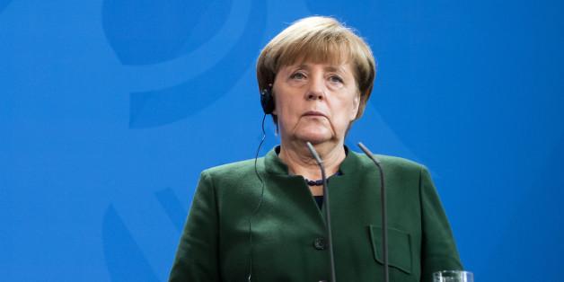 Angela Merkel und Alexis Tsipras sollen einen besseren Datenaustausch über Flüchtlinge vereinbart haben.