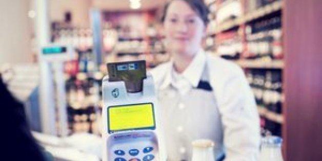Alle sollten selbst entscheiden dürfen, ob sie mit Bargeld bezahlen wollen oder mit Karte, sagt die CDU.