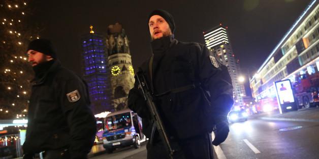 """Polizei bittet Berliner nach mutmaßlichem Anschlag: """"Bleibt zu Hause und verbreitet keine Gerüchte"""""""