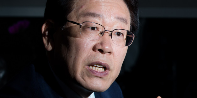 Lee Jae-myung, mayor of Seongnam city, speaks during an interview in Seongnam, South Korea, on Wednesday, Nov. 23, 2016. Lee is rising in opinion polls with about a year to go until South Korea's next presidential election. He wants to break up the country's biggest companies, meet unconditionally with North Korean leader Kim Jong Un, and throw President Park Geun-hye in jail over an influence-peddling scandal. Photographer: SeongJoon Cho/Bloomberg via Getty Images