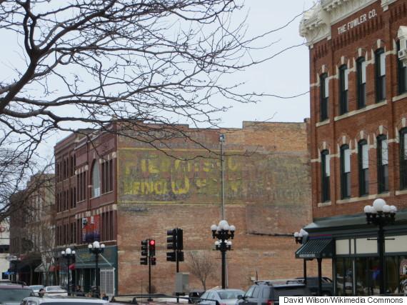 Charmant A Shopping Street In Waterloo, Iowa, Home Of Bertch Cabinet. (Photo: David  Wilson Via Wikimedia Commons)