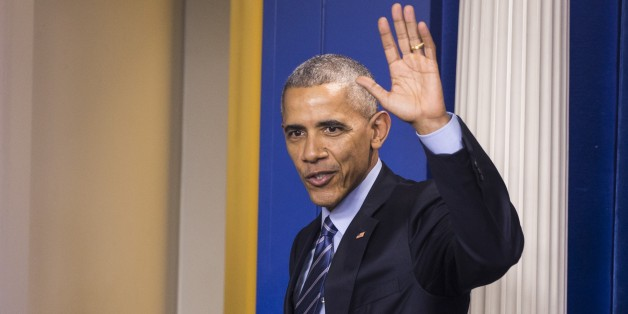 WASHINGTON, USA - DECEMBER 16: U.S. President Barack Obama waves at the conclusion of his annual end-of-year news conference at the White House in Washington, USA on December 16, 2016. (Photo by Samuel Corum/Anadolu Agency/Getty Images)