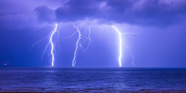 This lightning happened in Algiers Coast, Algeria