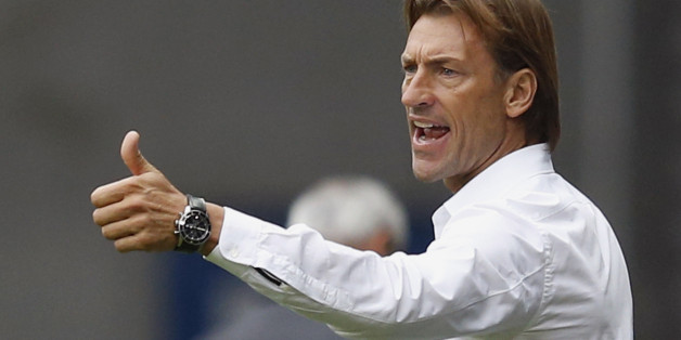 FC Sochaux's coach Herve Renard reacts during their French Ligue 1 soccer match against AS Monaco at the Auguste Bonal stadium in Sochaux October 20, 2013. REUTERS/Vincent Kessler (FRANCE  - Tags: SPORT SOCCER)